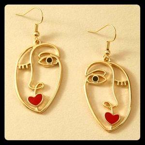 🎂 2/$15 Woman's Face Earrings